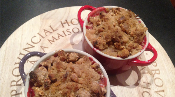 Spiced rhubarb and apple crumble recipe